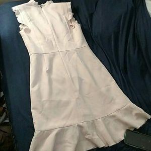 Karl Lagerfeld Dresses - Karl Lagerfeld V-Neck Ruffle Trim Dress Size 4